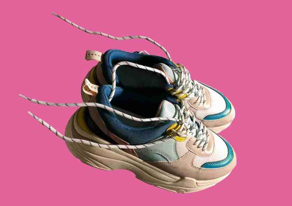 sneakersy moda na lato 2020